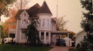 The side view of the old Onken home. The second floor turret room was where Miss Onken had her Pi Phi office.